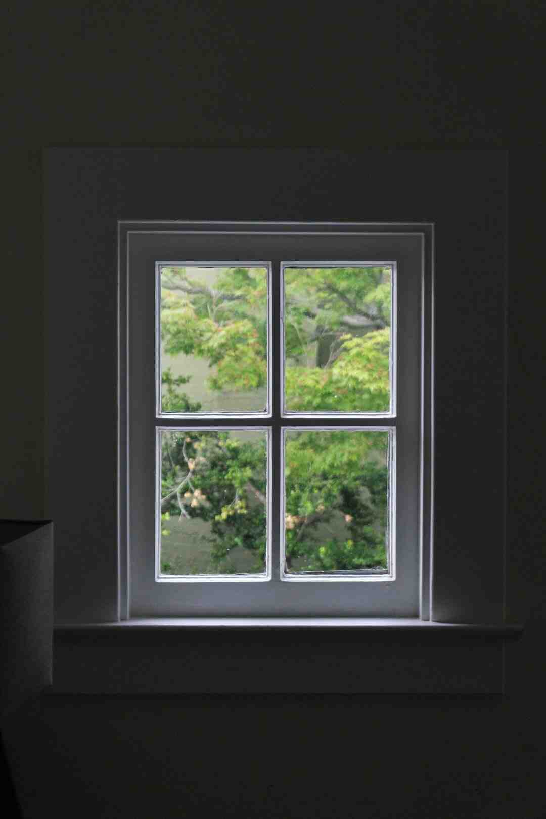 How do you measure a window for replacement?
