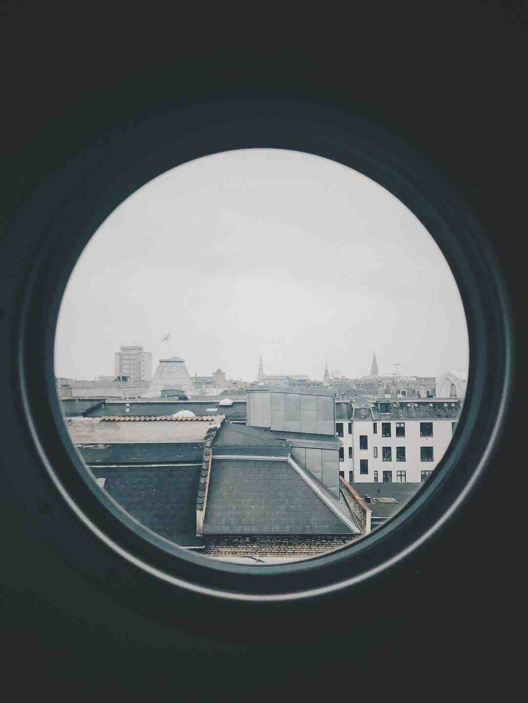 How do you measure the size of a window?