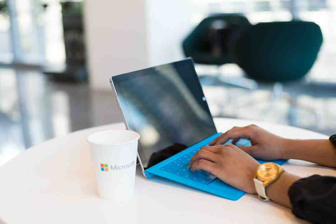 How much does it cost to upgrade to Windows 10?