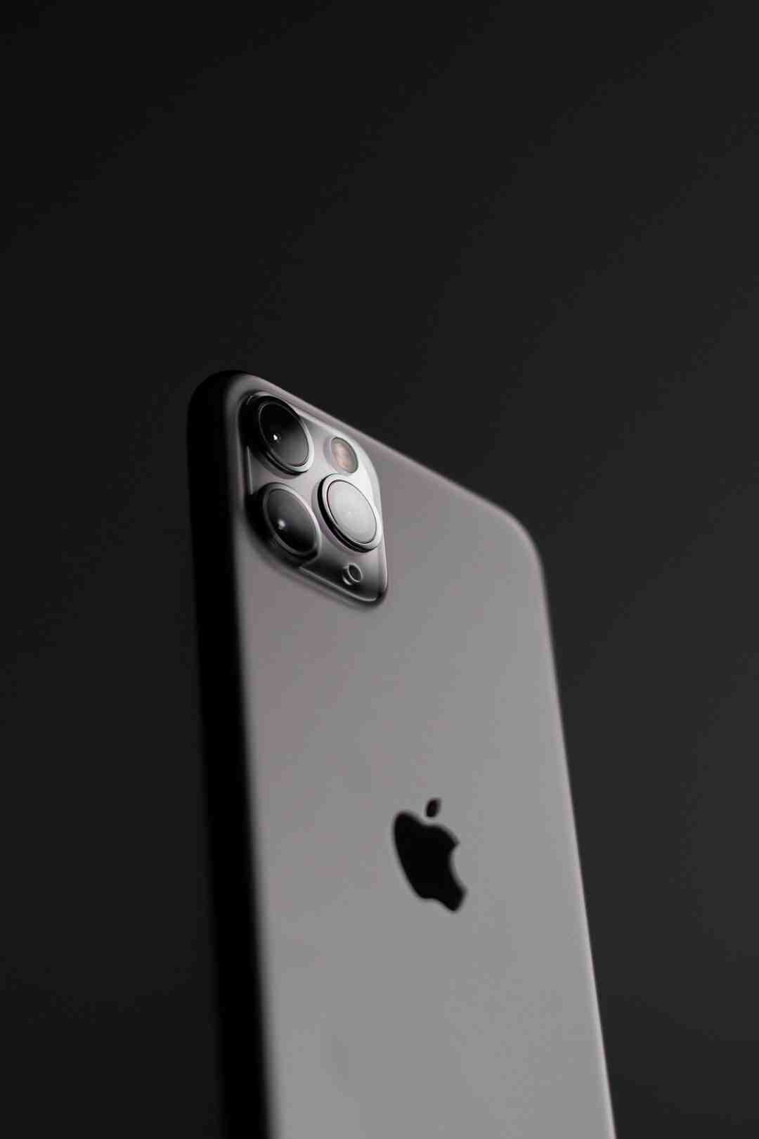 Does iPhone 11 Pro Max have 128GB?