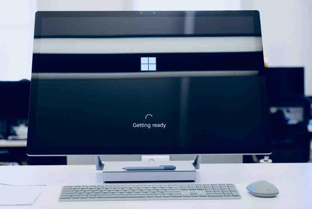 How much does Windows 10 cost monthly?