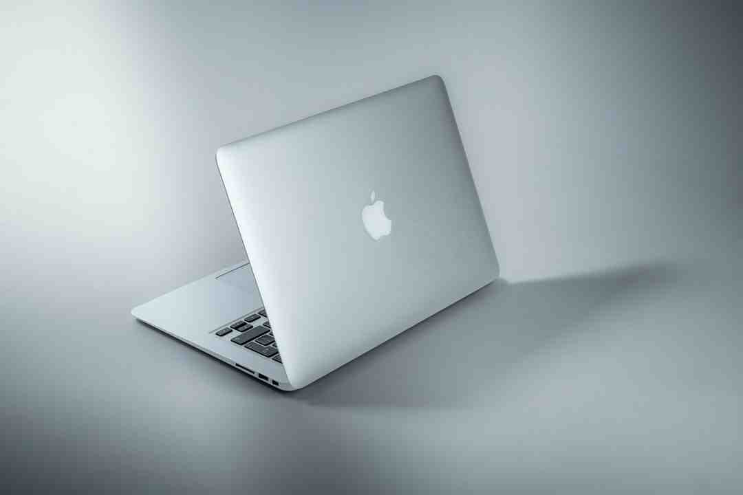 How do you unfreeze a Mac without turning it off?