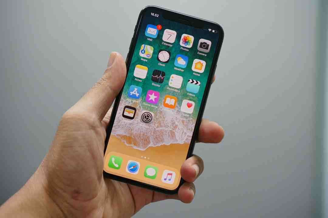 Is iPhone XR being discontinued?