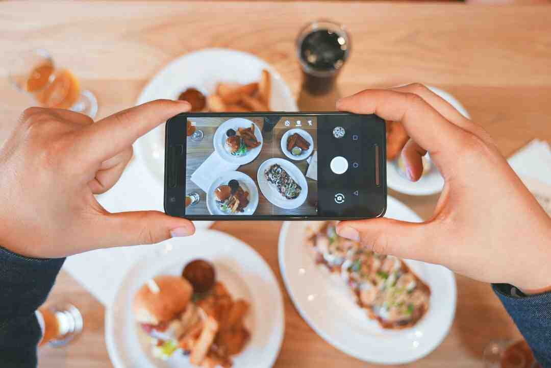Can people see when you look at their Instagram?