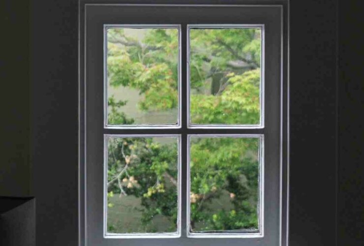 How much does it cost to clean outside windows?