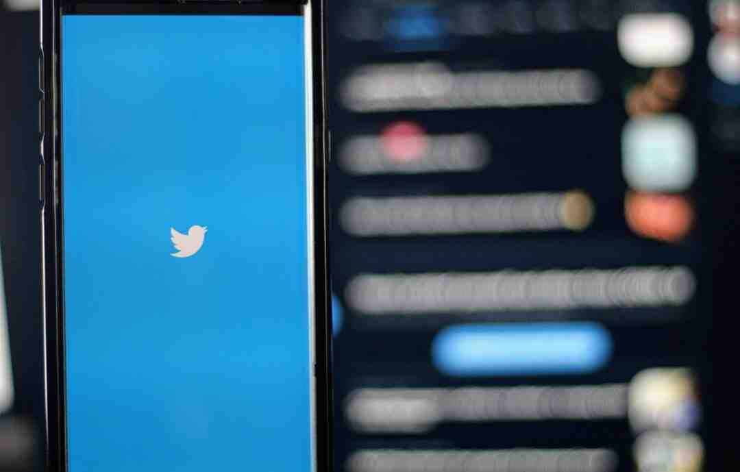 How to upload gif to twitter