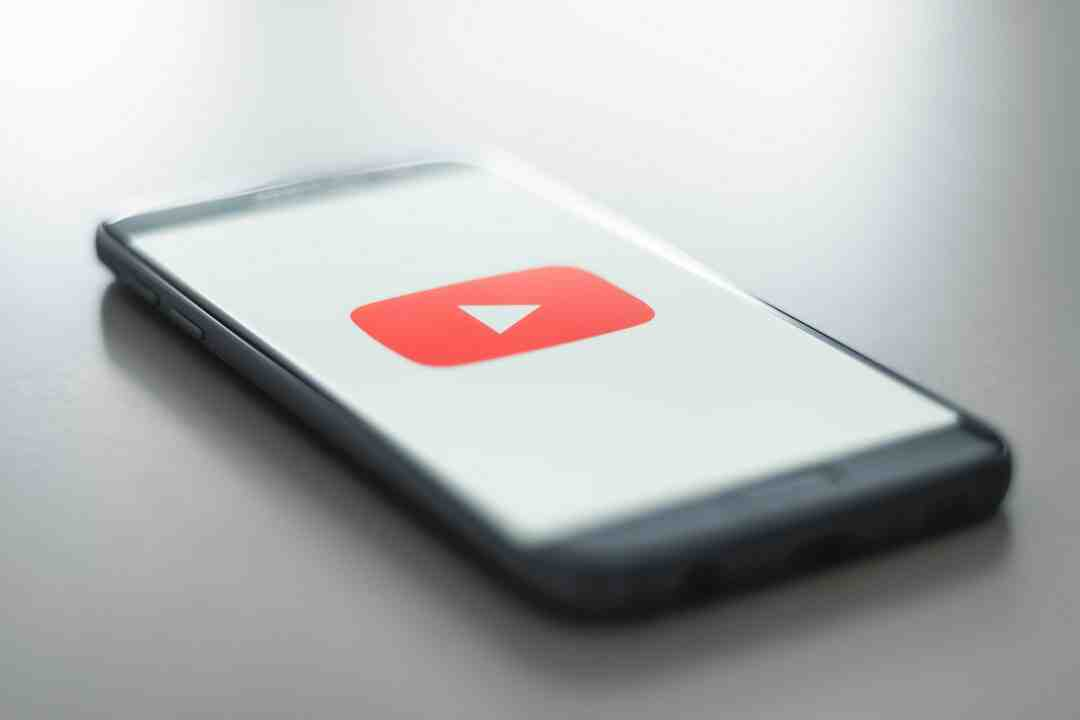 Which app is best for live streaming on YouTube?